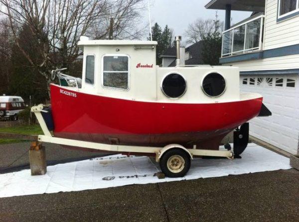 Tiny Boat de 4 mètre, inhabitable à l'année.